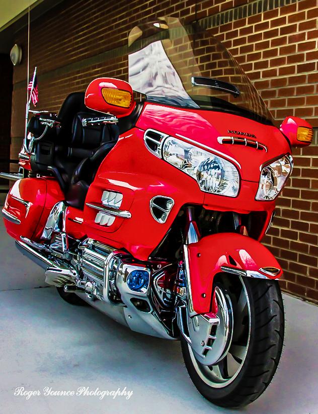 Big Red Gl1800 2004 Goldwing Honda Motorcycles Goldwing Motorbikes Goldwing