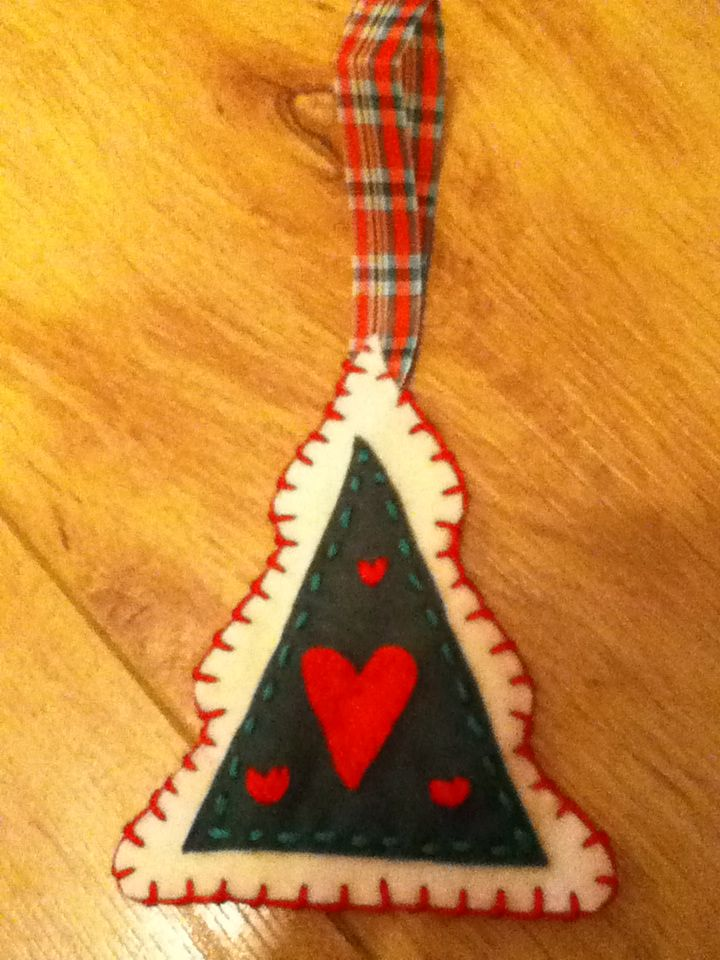 Tartan Tree ornament Christmas craft (With images) | Felt ...
