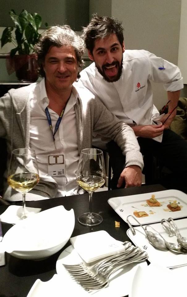 Two terrific friends, Chef Carles Abellán (l) from Barcelona, and my dear amigo Javier Muñoz, chef-partner at Palacio de Cibeles Restaurante-Bar, at Palacio de Cibeles, Madrid, Feb. 2, 2015. Photo by Gerry Dawes©2015 / gerrydawes@aol.com / Facebook / Twitter / YouTube / Pinterest. Samsung Galaxy S5 Phone Camera 16MB.