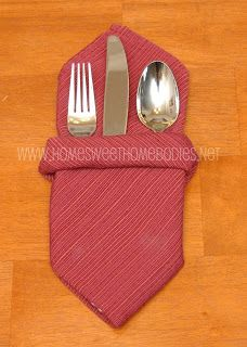 Home Sweet Homebodies: Napkin Folding: Dressing Up the Holiday Table