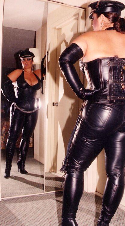 leather tumbir matures Old