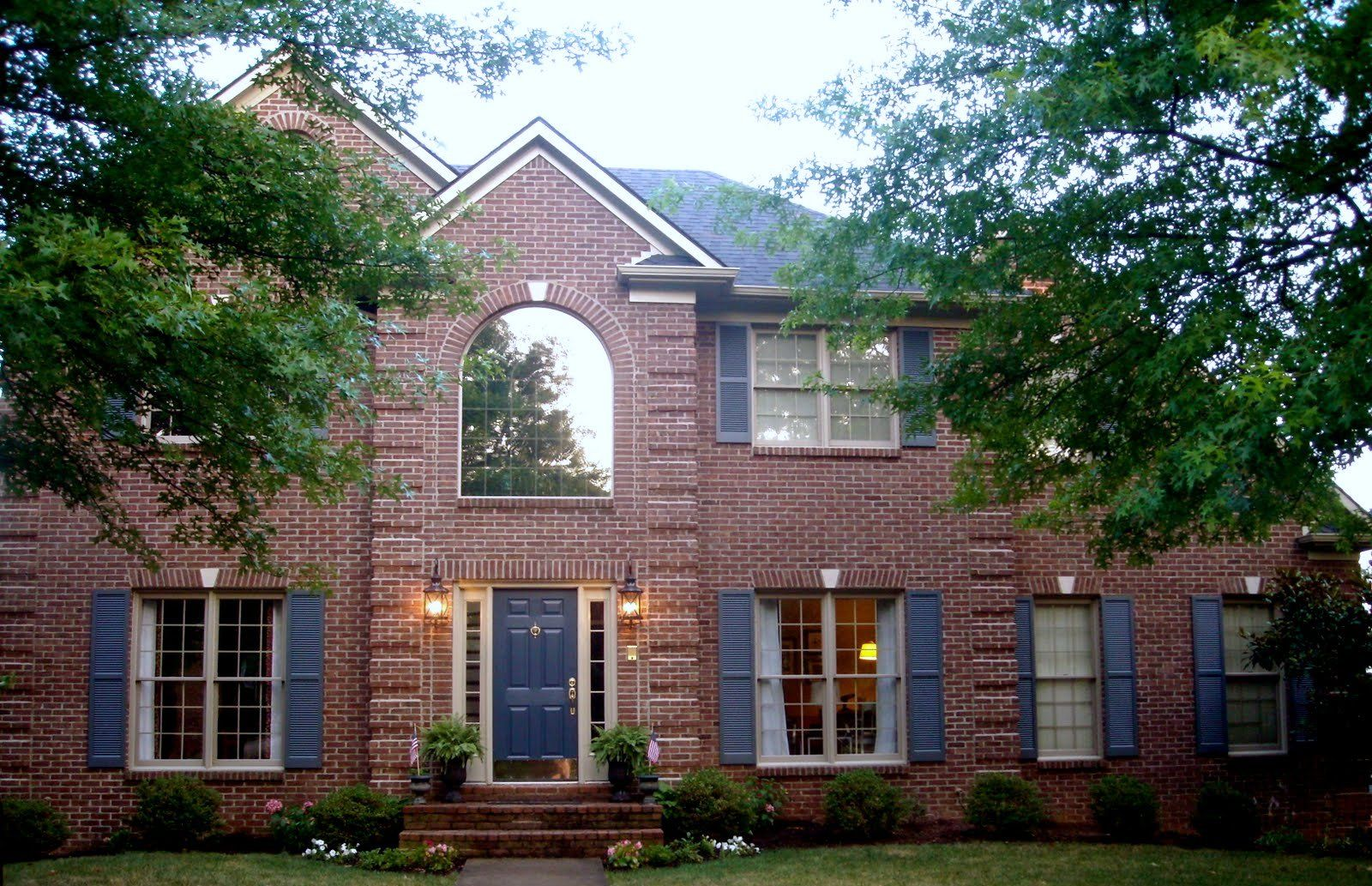 Paint color for exterior red brick blues greys make brick look more red shutters valspar Exterior paint with red brick