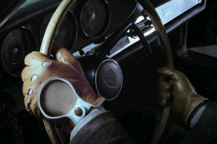 Mens Leather Driving Gloves..