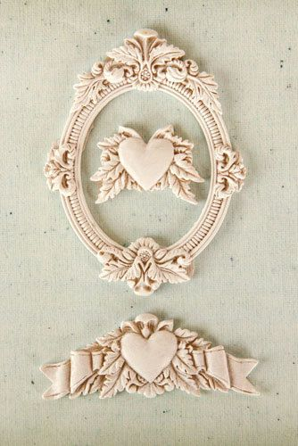 Shabby Chic Resin Treasures La Coeur by ButterfliesanDaisies, $3.60