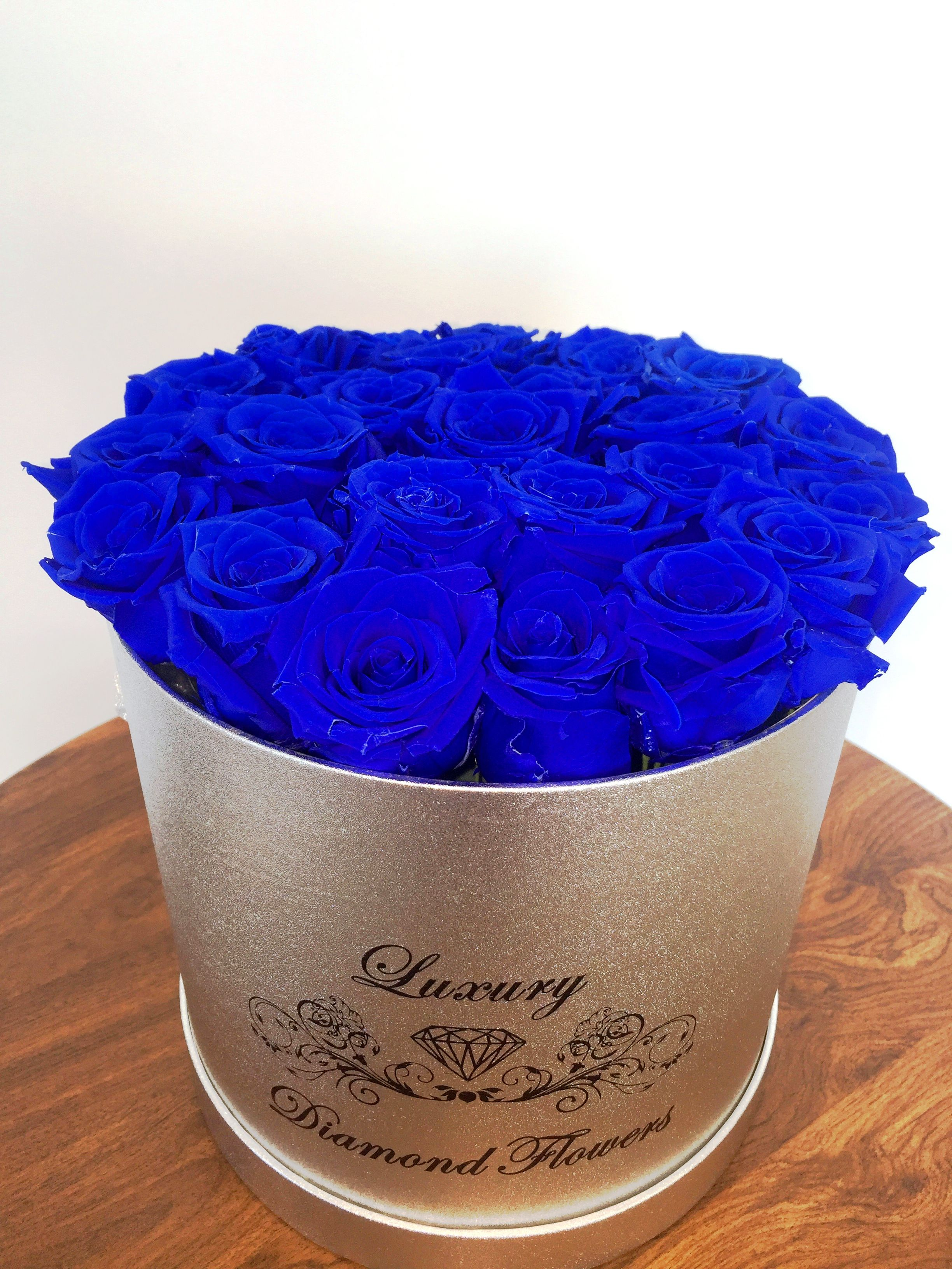 Blue Roses In Hat Box Delivery In Miami Los Angeles New York By Floral Shop In Downtown Brickell Miami How To Preserve Flowers Flowers Los Angeles Floral Shop