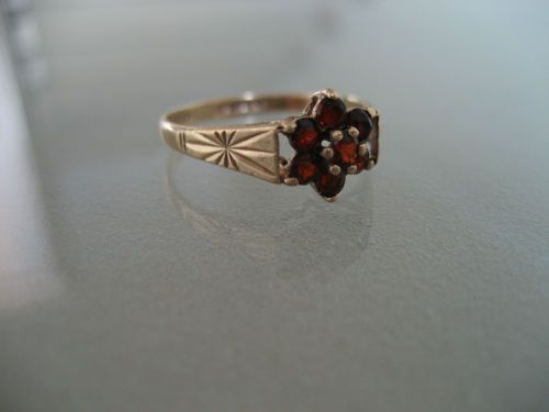 ANTIQUE-DAINTY-375-YELLOW-GOLD-RED-TOURMALINE-RING-EDINBURGH