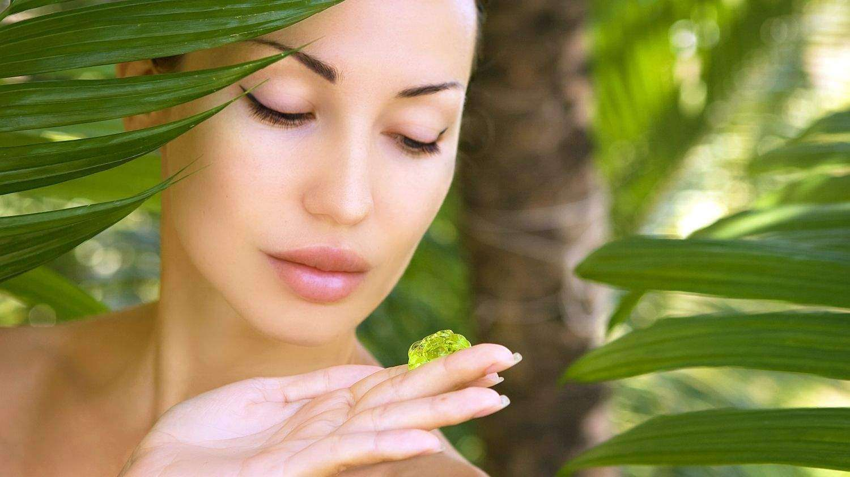 فوائد جل الصبار السحرية للبشرة والشعر In 2021 Aloe Vera Gel Benefits Aloe Vera Benefits Clear Skin