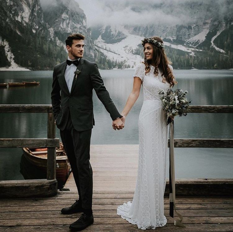 Lake Wedding Ideas: Pin By Caitlin Ruane On Wedding Ideas!