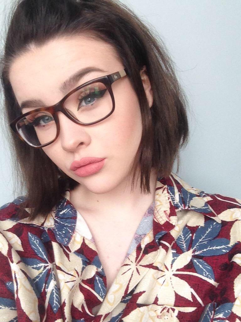 Pin von Réka Komáromi auf Beauty   Pinterest   Brille, Kurze haare ...