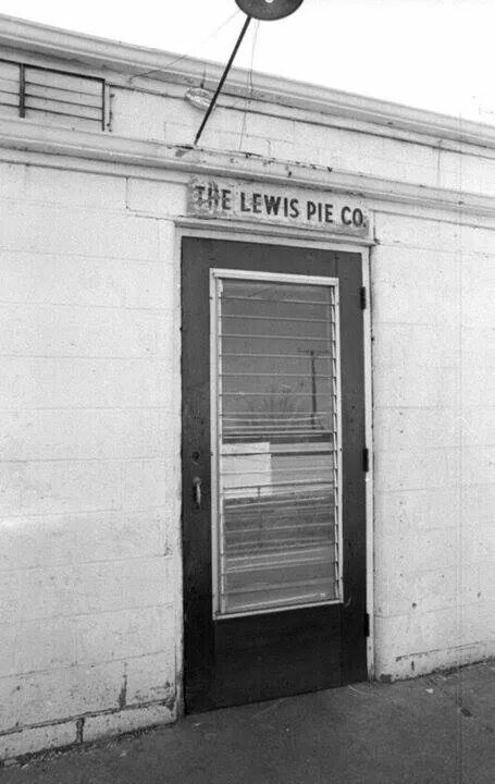 Lewis Pie Company Portsmouth Ohio Pies Beautiful Places Tarts