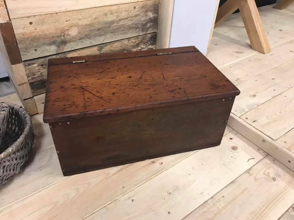 Rustic Old Small Storage Chest Ebay With Images Small Storage Storage Chest Storage
