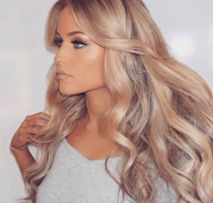 She Looks Like A Fake Barbie Doll But This Color Would Be Pretty On You And With Your Eyes Scyc Blonde Hair Costumes Hair Styles Long Hair Styles