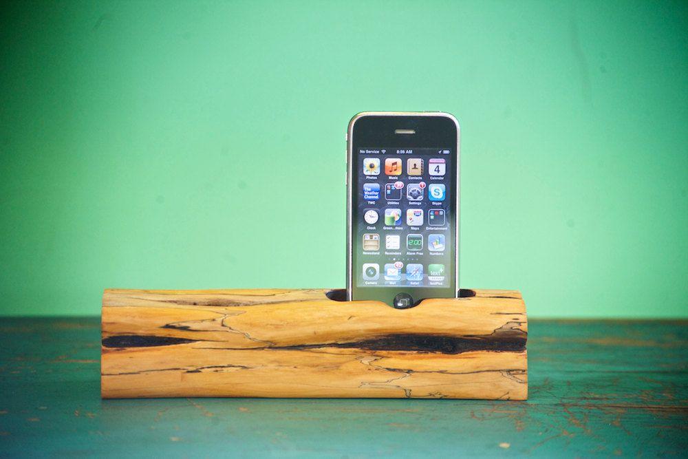 woodtec iPhone / iPod docking station @Miranda Bathurst