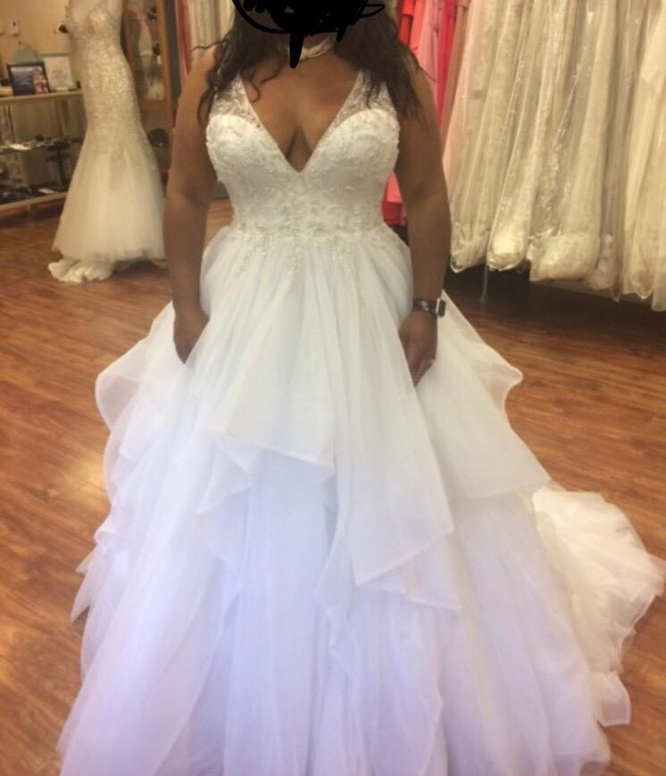 Maggie Sottero Amelie Size 16 Used Wedding Dress Front View On