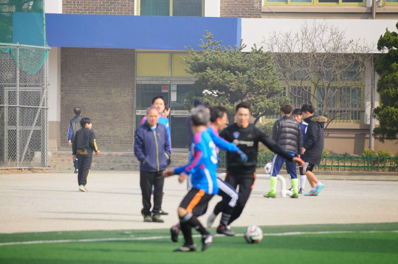 구글블로그 쌍둥이엄마: Friends Celebrity soccer friendly match scenes vid...