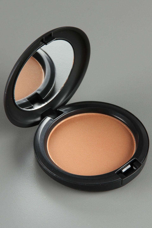 Best Bronzer And Blush: MAC Bronzing Powder In Matte Bronze - Perfect