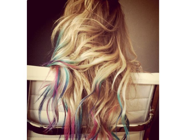 Rainbow tips! Totally doing this when my hair grows out again. If I can avoid cutting it.