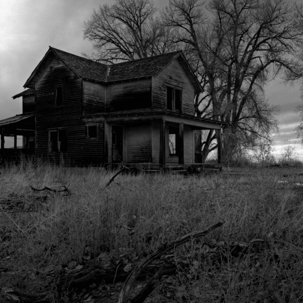 7 Signs Your House Could Be Haunted According To Paranormal Experts Real Haunted Houses Most Haunted Haunted House