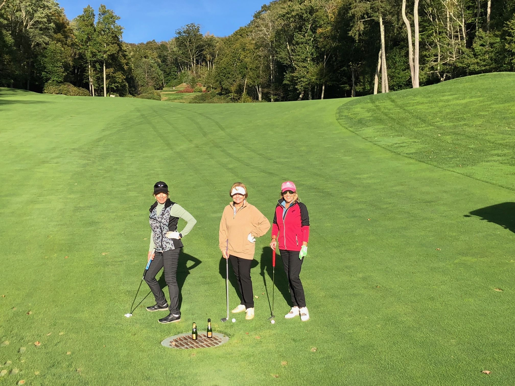 These Ladies Had A Lovely Morning Of Golf At Diamond Creek Golf Course Country Club In The Photo We Can Spot The Daily Sports Fashion Company Sport Outfits