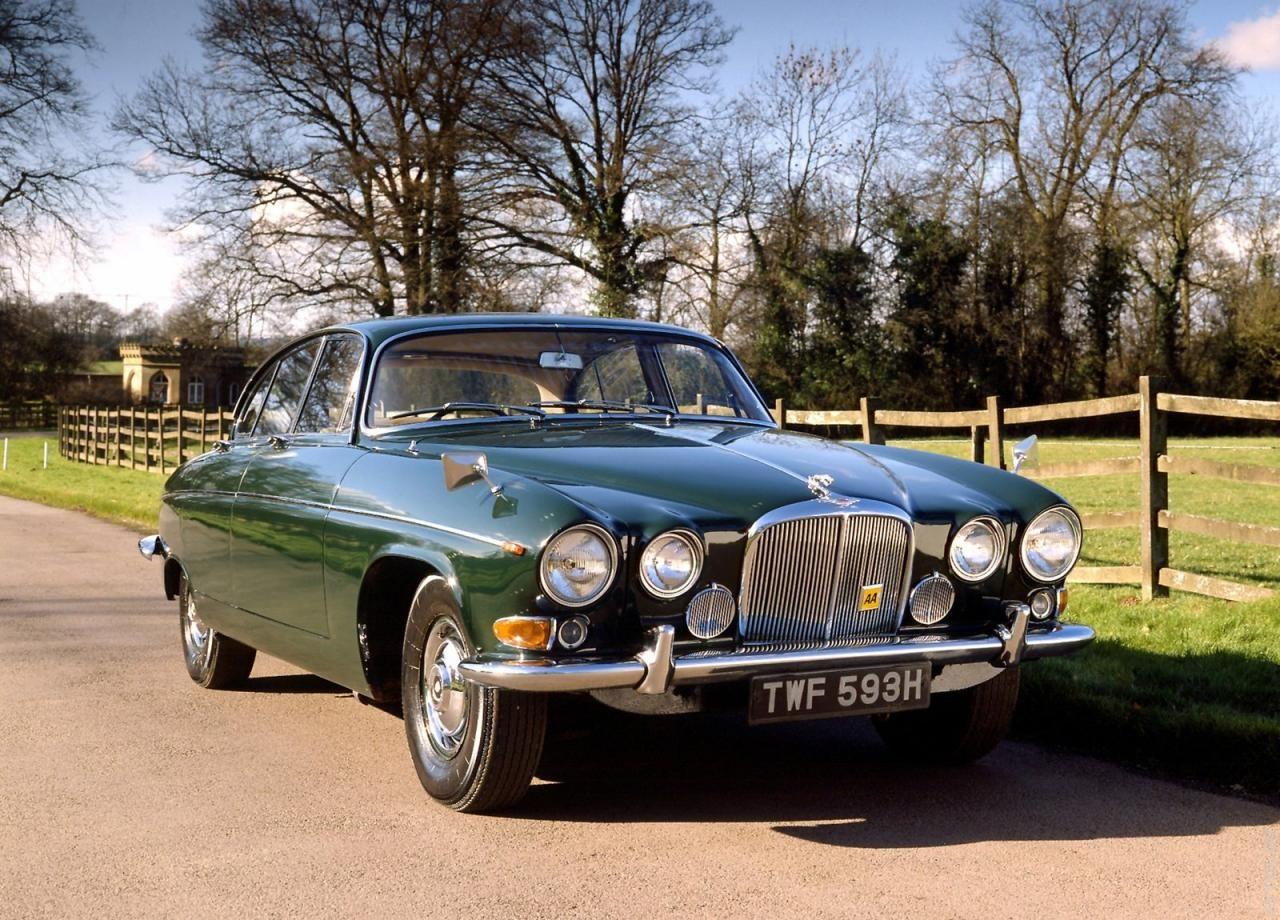 1968 Jaguar XJ6 | Jaguar car, Classic cars, Jaguar daimler