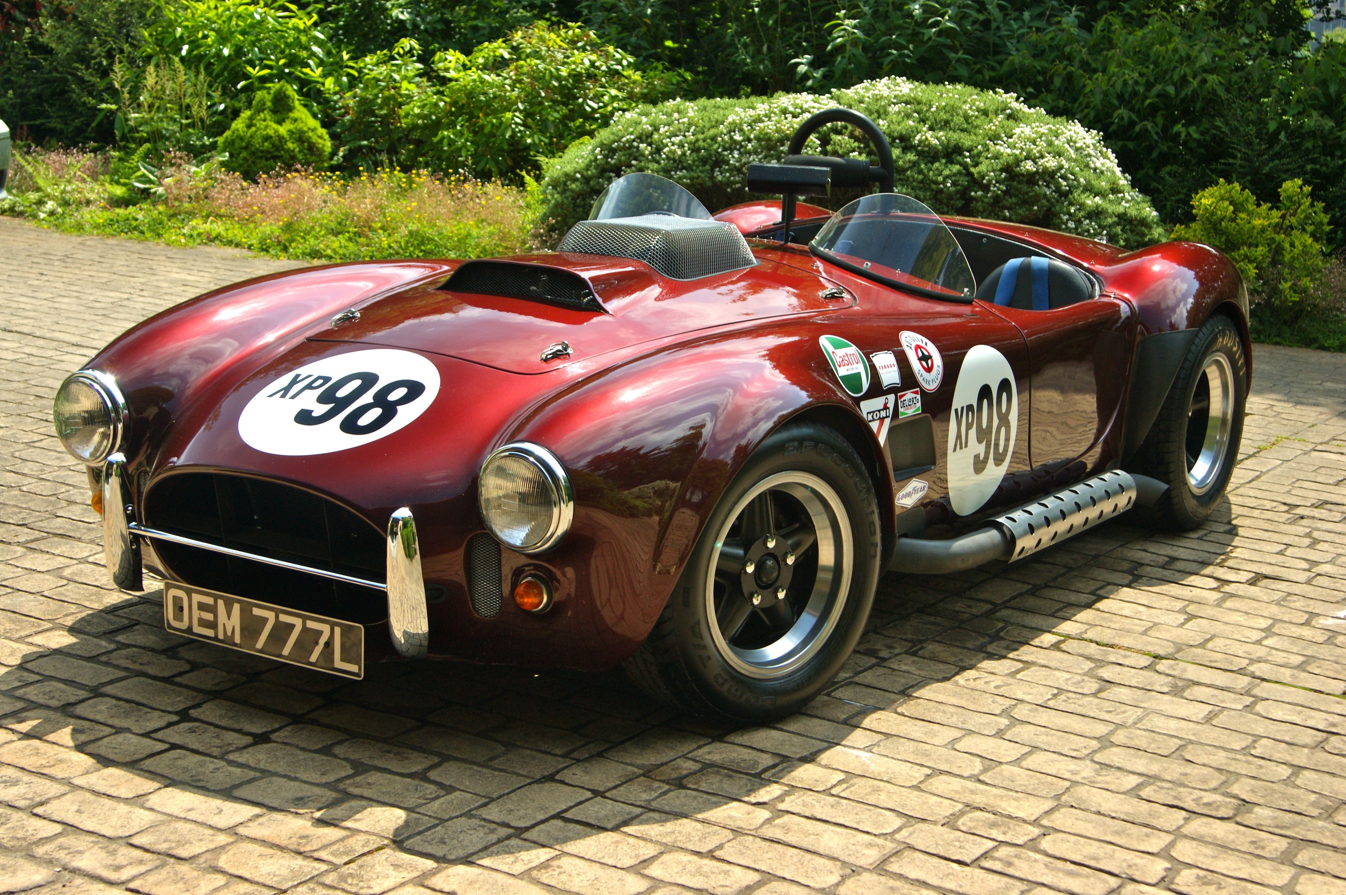 Magnum 427 ac shelby cobra replica in bugundy posh red