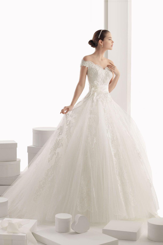 60fae6e099e69 Robe de mariée princesse en tissu tulle avec épaule tombante