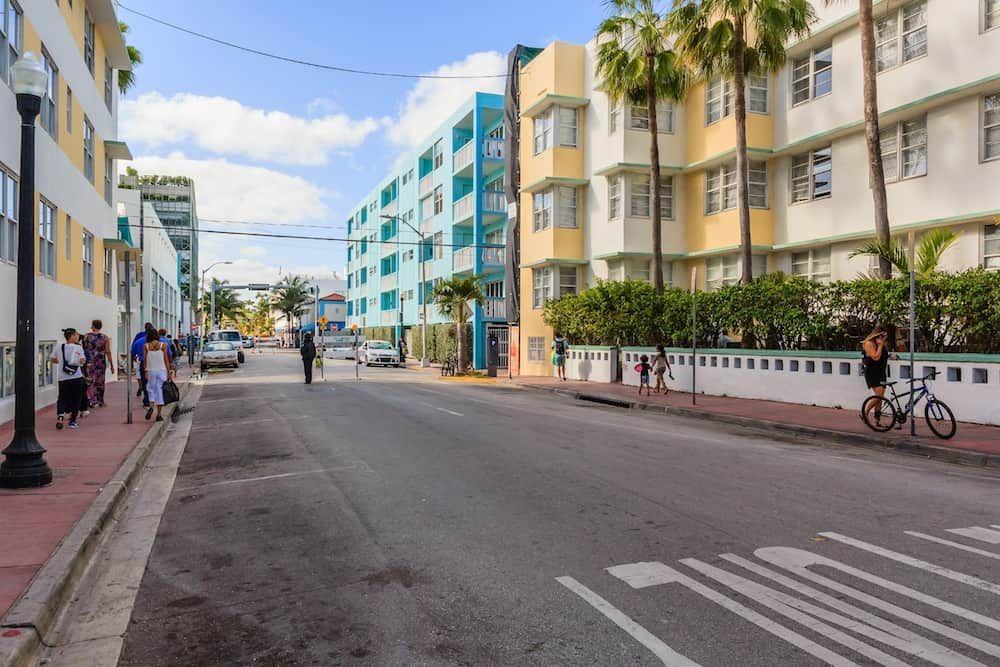 15 Fun Touristy Things to Do in Miami South beach miami