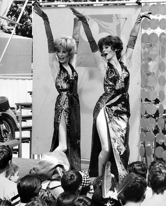 """mimbeau:  Catherine Deneuve and François Dorléac """"Les Demoiselles de Rochefort"""" directed by Jacques Demy 1966 David Hurn / Magnum Photos / Vanity Fair"""
