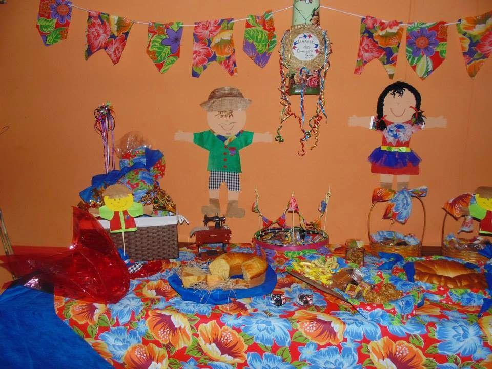 Decoraç u00e3o mesa festa junina com comidas típicas Decoraç u00e3o e Idéias Festa Junina Pinterest -> Decoração Tnt Festa Junina
