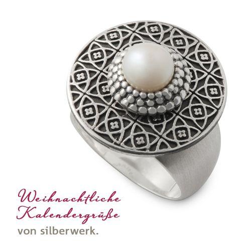 Weihnachtsgeschenke gesucht?  Kleiner Tipp: Dieser tolle Ring ist heute auch in unserem Kalender versteckt!     https://www.silberwerk.de/ringding/24656410-scheibe-andaluz-22mm-geschwarzt/combination     https://www.silberwerk.de/katalog/7000-adventskalender