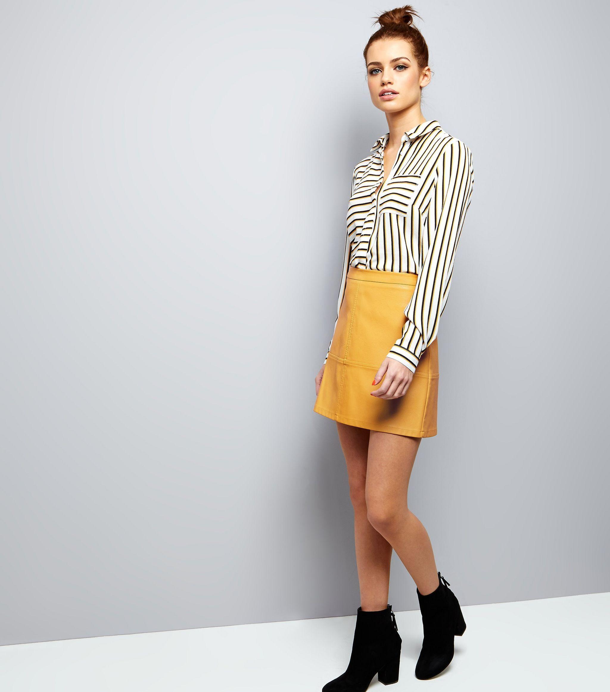 f34b1932e876 Petite - Mini-jupe jaune en similicuir avec coutures apparentes ...
