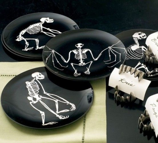 50 Ideas For Elegant Black And White Halloween Decor DigsDigs