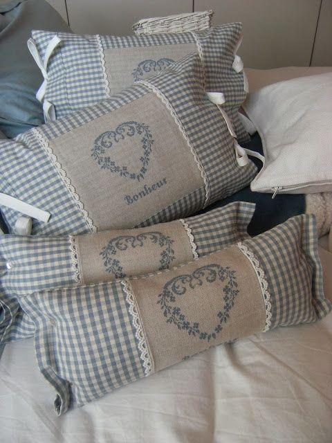 Diy pillow covers, Diy pillows, Sewing pillows, Decorative pillow covers, Pretty pillow, Pillows - Looking For DIY Pillow Cover Ideas   -  #Diypillow #covers