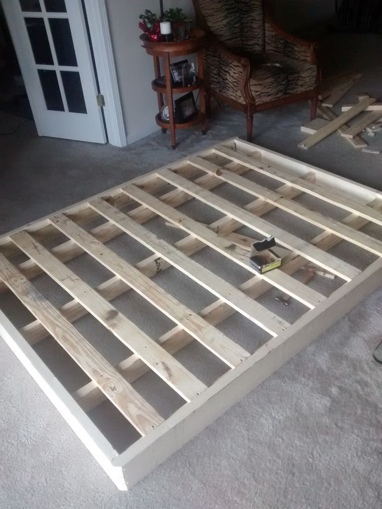 re building a bed foundation fo real bedroom box. Black Bedroom Furniture Sets. Home Design Ideas