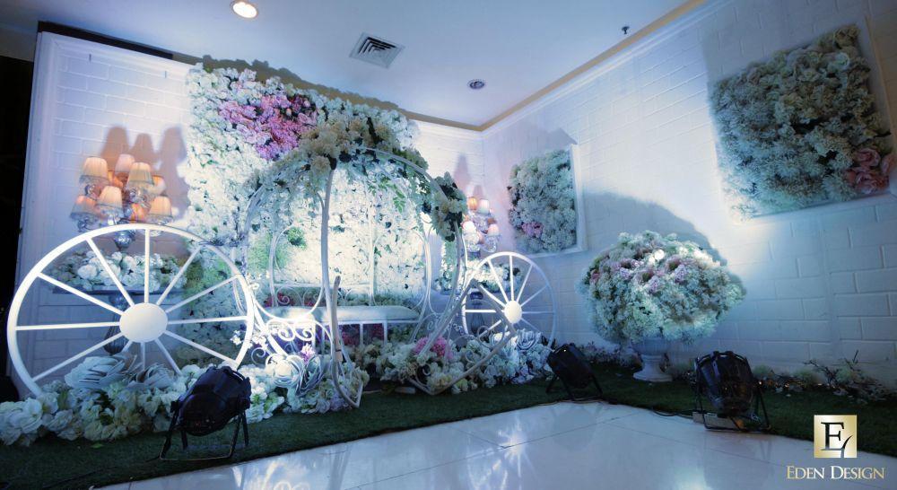 Foto dekorasi lighting pernikahan oleh eden design dekorasi foto dekorasi lighting pernikahan oleh eden design junglespirit Images