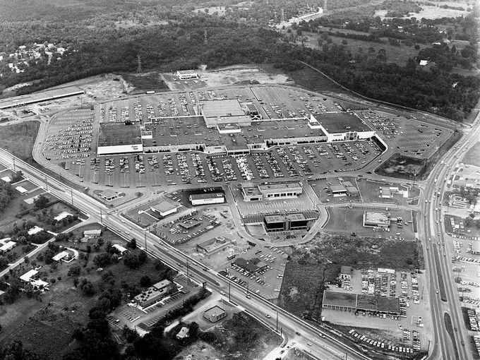 The rivergate mall shown here july 21 1973 is packed for The rivergate