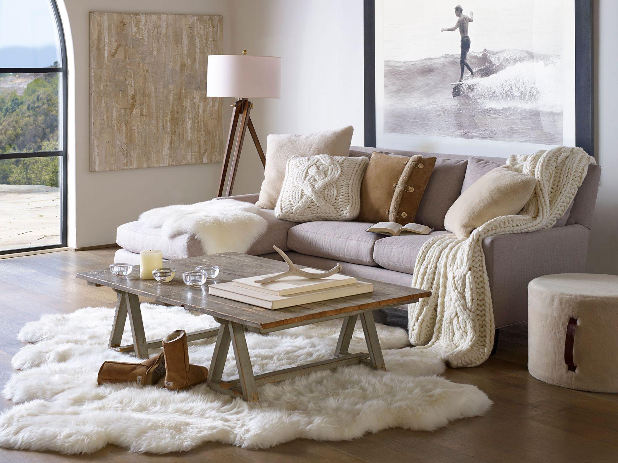 A grand renfort de fourrures douces, lainages et touches de lumière, le  séjour passe en mode cocooning. En images, 12 astuces déco