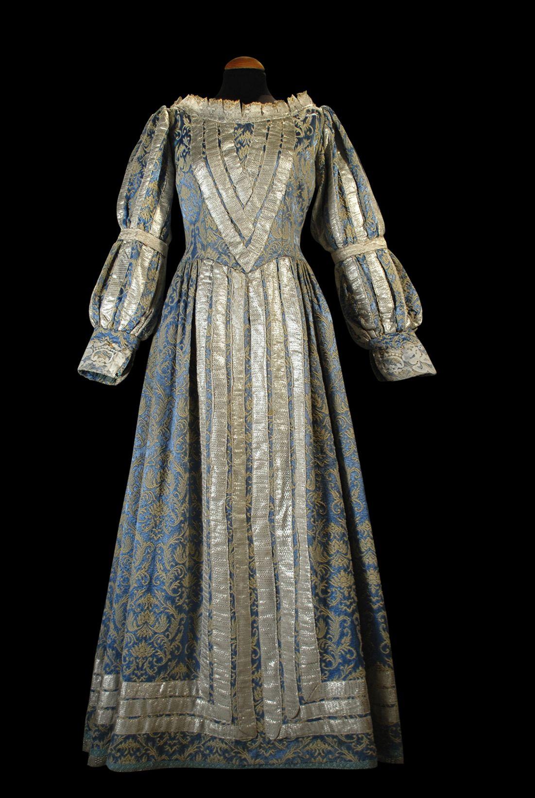 Renacimiento mujer. #bodastematicas #vestuario   Bodas Temáticas ...