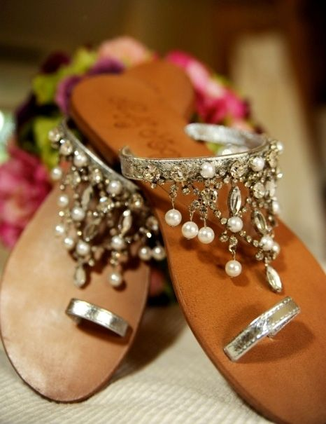 Indian wedding footwear for beach wedding #beachwedding #summerwedding #coastalwedding