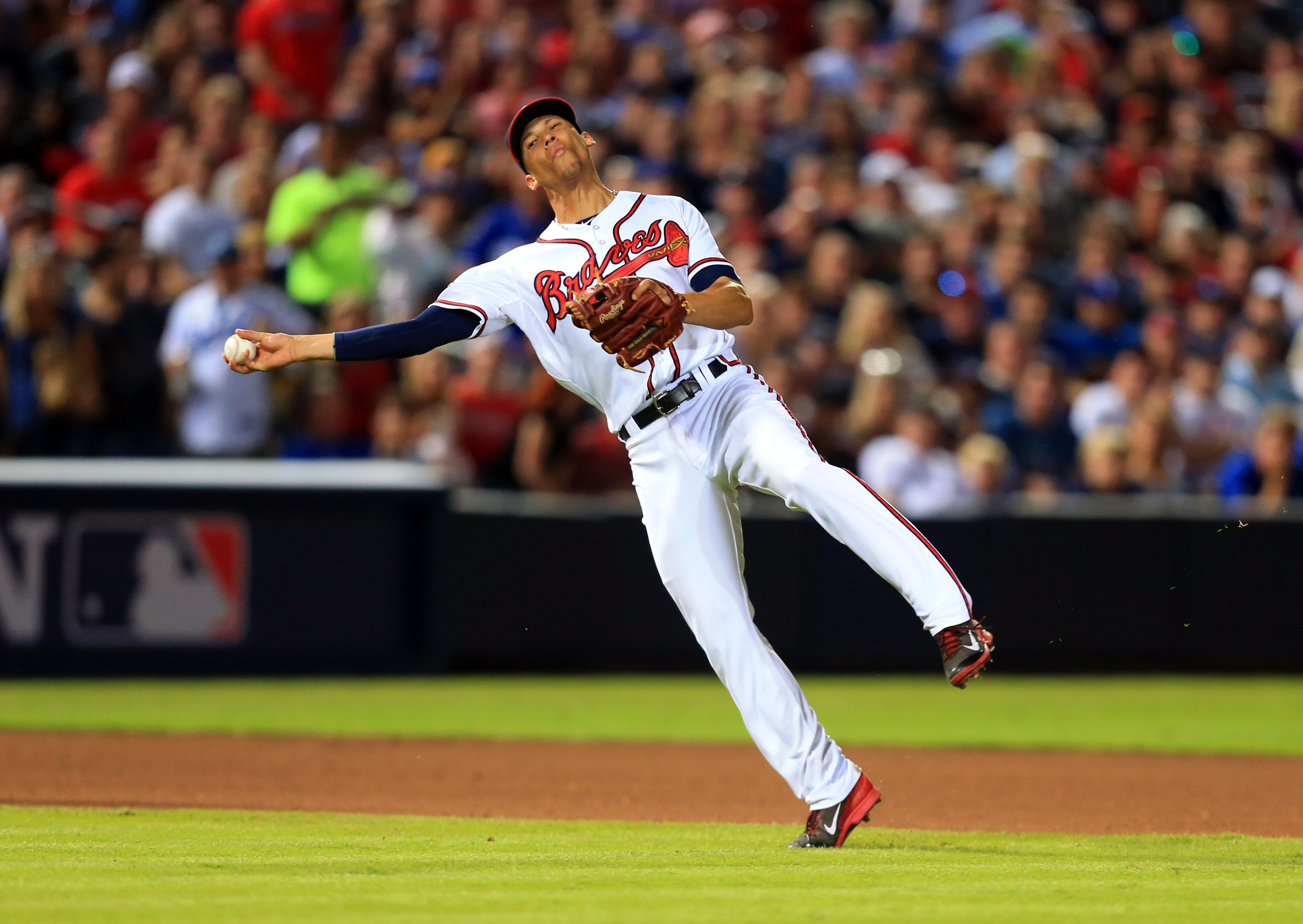 Crowdcam Hot Shot Atlanta Braves Shortstop Andrelton Simmons Throws To First Base During The Seventh Inning Against The Los Atlanta Braves Braves Turner Field