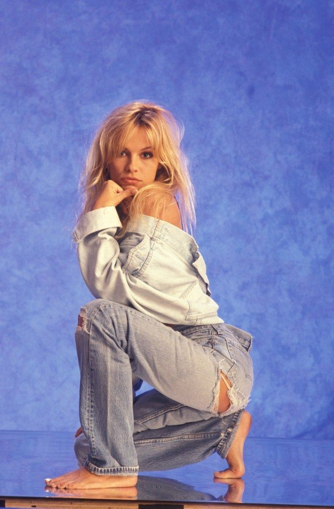 11 Affordable 80s Jeans Your Fave 80s Style Icons Would Totally Wear #throwbackoutfits 80s fashion, 80s aesthetic, 80s party outfit, 80s fashion outfits, 80s nostalgia, 80s style, 80s outfits, 80s clothes, 1980s, 80s costume, denim, denim jeans, denim outfit, throwback outfits, retro fashion, retro aesthetic, retro clothes, retro style #pamelaanderson pamela anderson #80spartyoutfits 11 Affordable 80s Jeans Your Fave 80s Style Icons Would Totally Wear #throwbackoutfits 80s fashion, 80s aesthetic #throwbackoutfits
