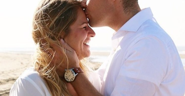 20 ways to show your wife you love her without saying a word