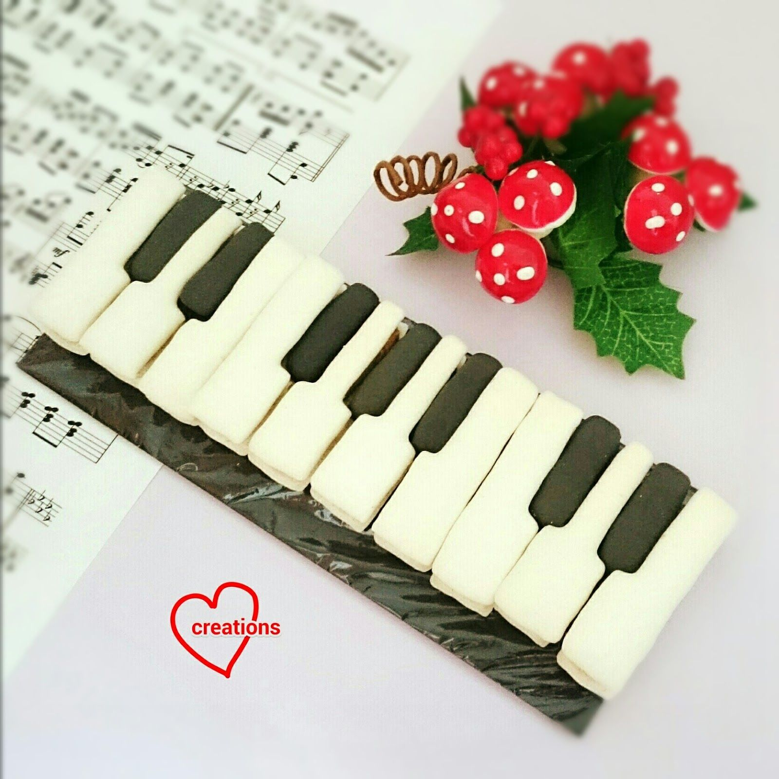Loving Creations for You: Piano Keyboard Macarons (template provided ...