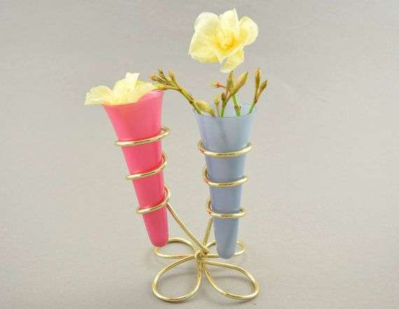 Cute Small Table Vase Two Plastic Vases With A Wire Stand