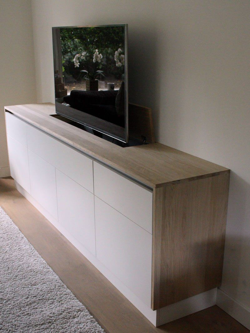 tv meubel dressoir met tv lift op maat in zeist van meubelmaker insigt meubels en ontwerp. Black Bedroom Furniture Sets. Home Design Ideas