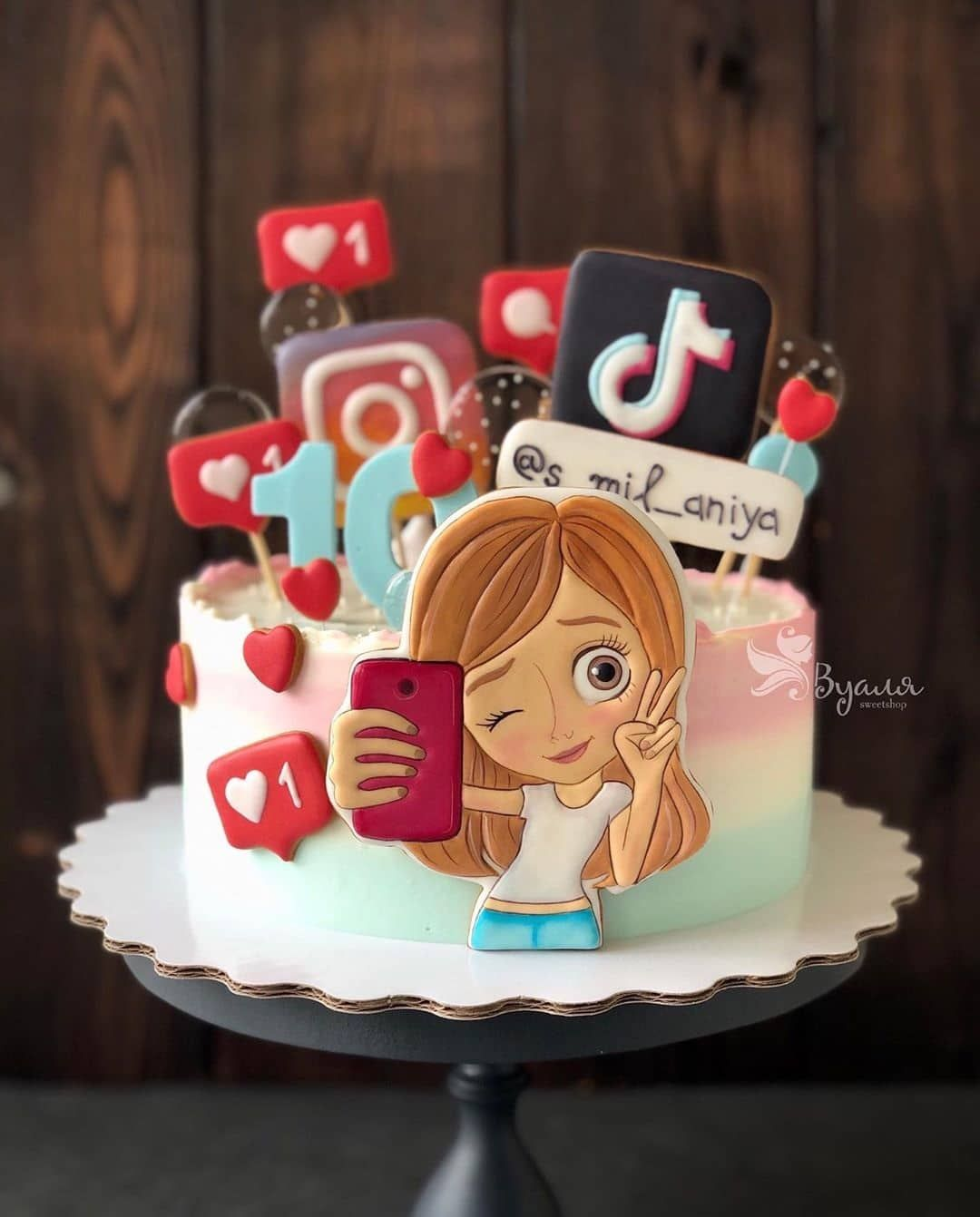 13 Cute Tik Tok Cake Ideas Some Are Absolutely Beautiful 14th Birthday Cakes Funny Birthday Cakes Unique Birthday Cakes