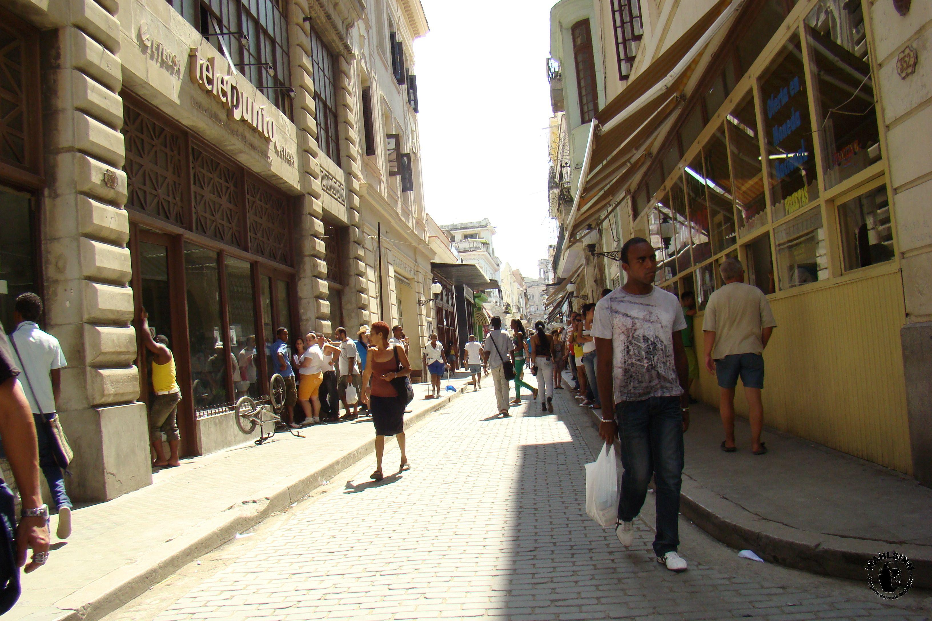 Das pure Leben in den Straßen von Havanna // Havanna (Kuba)