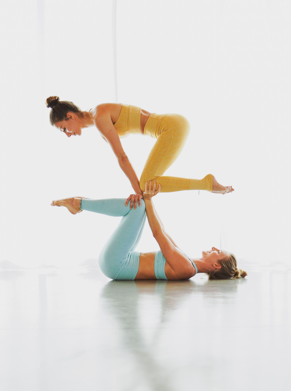 Partner Acro Yoga Yoga For 2 Couples Yoga Partner Yoga Two People Yoga Poses