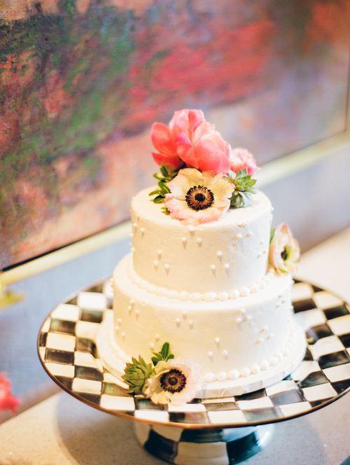 Grand Rapids, Michigan Cakabakery Wedding Cake / Film Wedding Photographer  / Film Photographer / Michigan