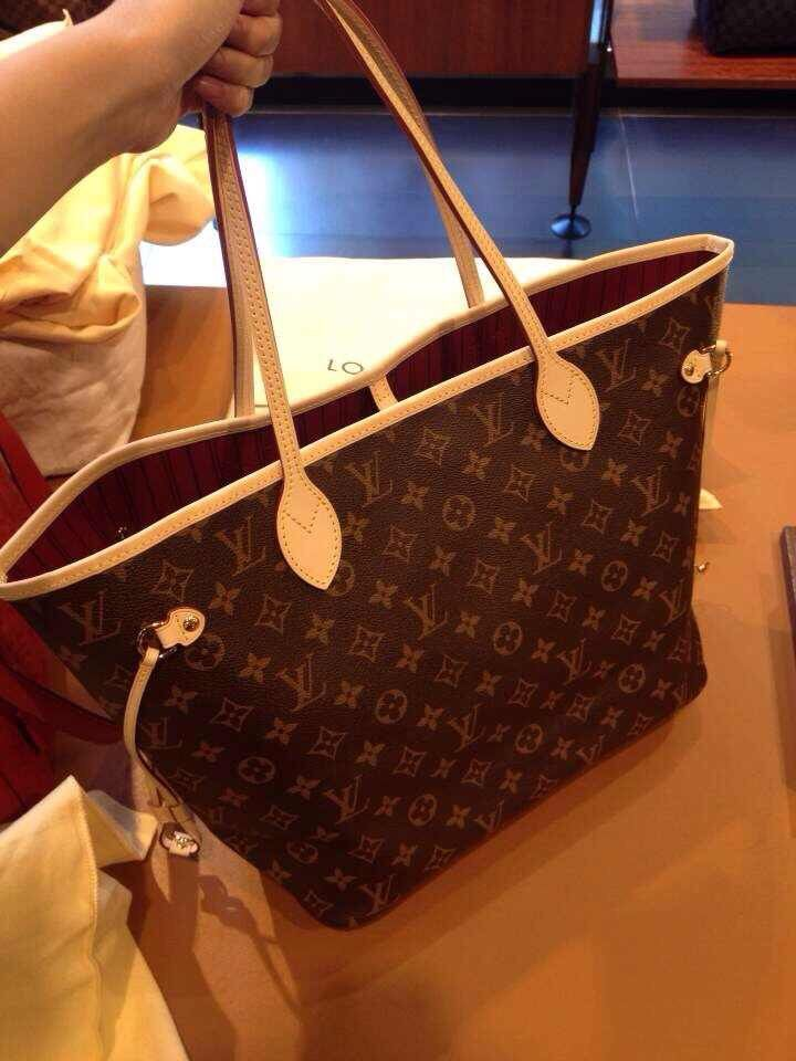 b693e52a1f28 Louis Vuitton Bags